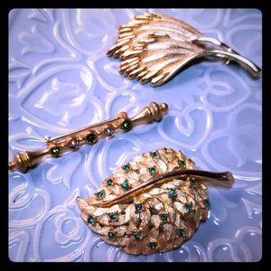 Vintage bundle of 3 gold brooches